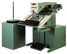 CS-400B Contact Systems through hole cut & clinch insertion machine
